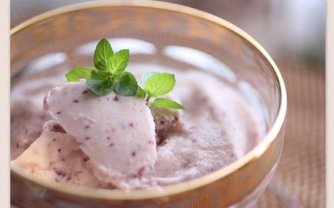 桃と葡萄のアイスクリーム
