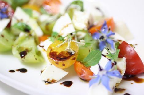 ハーブのお花のサラダ