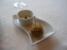 鶏とフォアグラの揚げ物