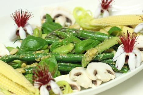 グリーンサラダ、ジェノベーゼ・ペースト