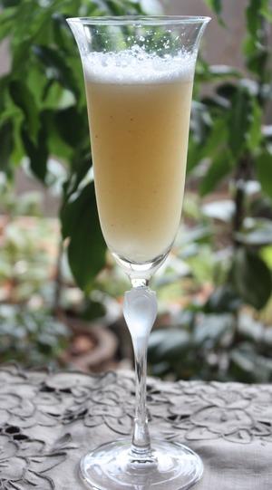 桃のカクテル