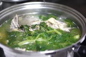 丸鶏スープ