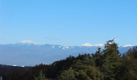 冠雪の山々