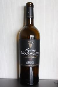 Mouton Cadet Medoc Reserve 2010