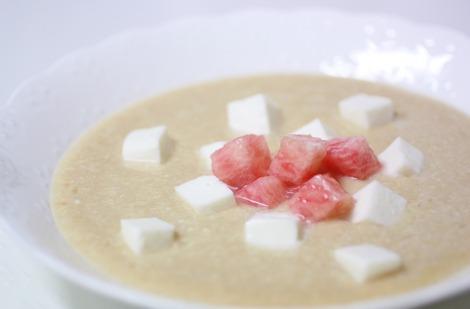桃とモッツアレッラのスープ