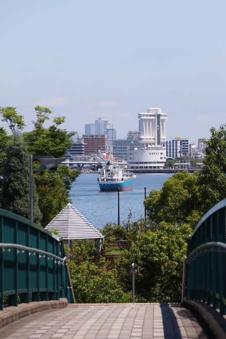 港の見える橋