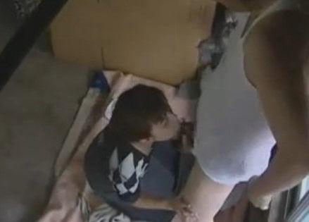 【夫婦のいとなみ】熟女のsexH無料動画。屋根裏から兄夫婦のSEXを覗く弟!【ヘンリー塚本/人妻/熟女】