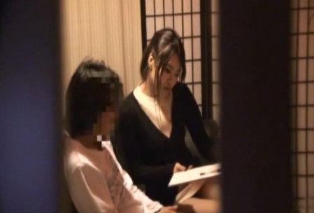 【熟女・人妻のマッサージ動画】エステH無料動画。【盗撮エステサロン】客引きをするエステティシャンがいるというので潜入取材