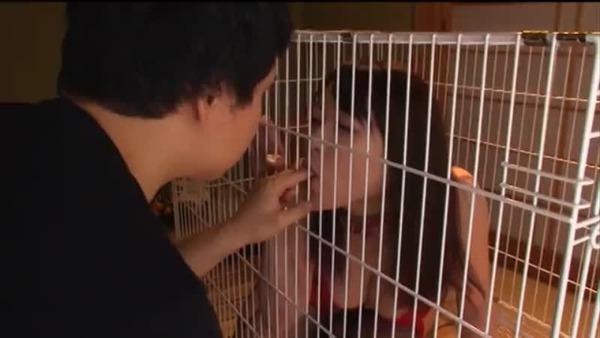 【巨乳・爆乳の熟女・人妻動画】【星野あかり】巨乳おっぱいの熟女義母が息子に飼育される変態家族!牝犬となった人妻
