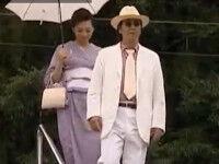 【ヘンリー塚本】和服脇毛美女とチンピラが旅先でハメまくる 公衆トイレで階段で