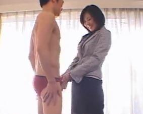 《初撮り奥さん》旦那とはセックスレスでチンチンに飢えていた奥さんの性欲が爆発する
