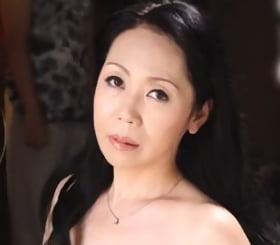 夜這い近親相姦 艶っぽい祖母に若い性をぶつけた童貞少年 菊池奈緒美