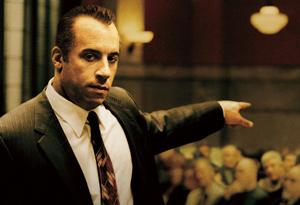 ヴィン・ディーゼル、法廷闘争で自己弁護?! /映画『コネクション マフィアたちの法廷』