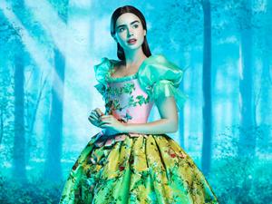 リリー・コリンズが扮する実写版映画・白雪姫の姿
