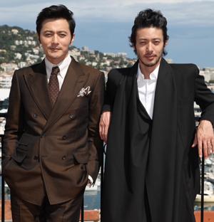 映画『マイウェイ 12,000キロの真実』主演のチャン・ドンゴン(左)とオダギリジョー、カンヌ映画祭にてc Kazuko Wakayama