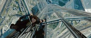 """今度こそ絶体絶命?! これが""""最後""""になるかもしれないミッションに、イーサン・ハントが挑むc2011 PARAMOUNT PICTURES. All Rights Reserved."""