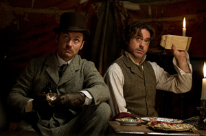 映画『シャーロック・ホームズ シャドウ ゲーム』よりc2011 VILLAGE ROADSHOW FILMS (BVI) LIMITED