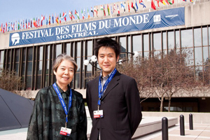 映画『わが母の記』で第35回モントリオール世界映画祭に参加した樹木(左)と原田