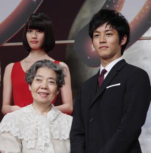 樹木希林「男の嫉妬もすごいの」と、映画『ツナグ』で孫役の松坂桃李にアドバイス