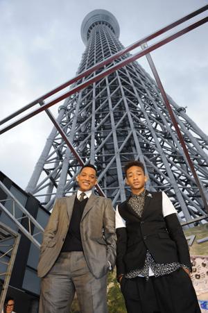 『アフター・アース』ウィル・スミス&ジェイデン・スミス親子来日!東京スカイツリーに登場
