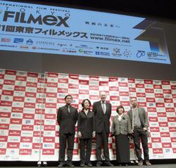 (左より)リー、ニン、グレゴール、白鳥、ウィーラセクタン cJulie Minami