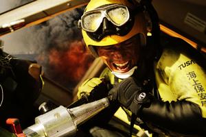 映画『BRAVE HEARTS 海猿』はジャンボジェット機の海上着水事故を描くc2012 F/R/P/T/S/A/FNS