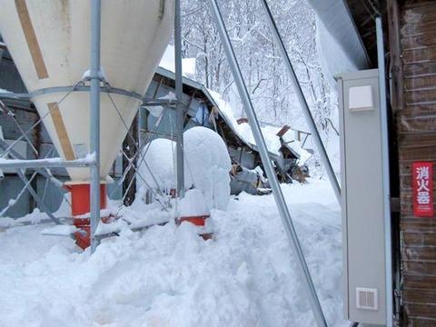 岩本雪害 003