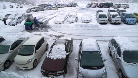 本社の雪かき