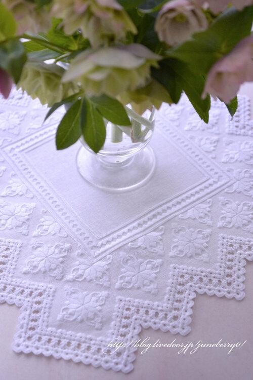 ハーダンガー刺繍のドイリー06blog