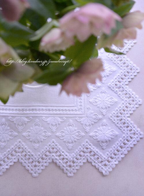 ハーダンガー刺繍のドイリー04blog