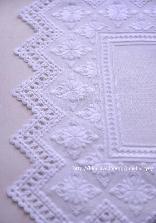 ハーダンガー刺繍のドイリー03blog