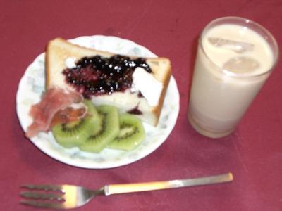 夏の朝食 001
