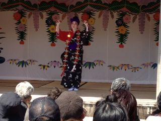 4琉球舞 一人
