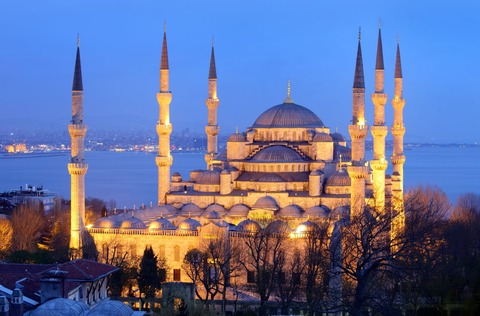 The-Blue-Mosque-Istanbul-During-Sunset[1]