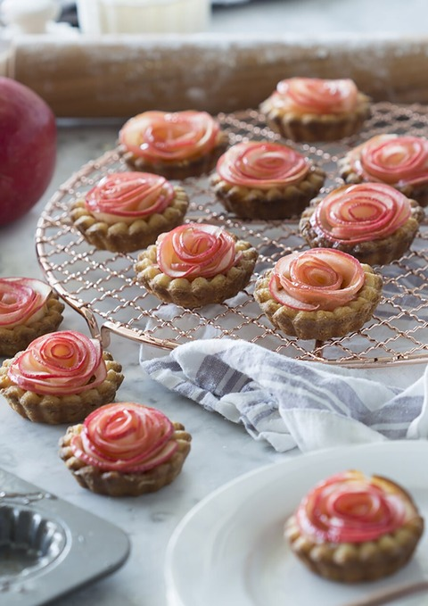 Rose-Apple-Tart-feature