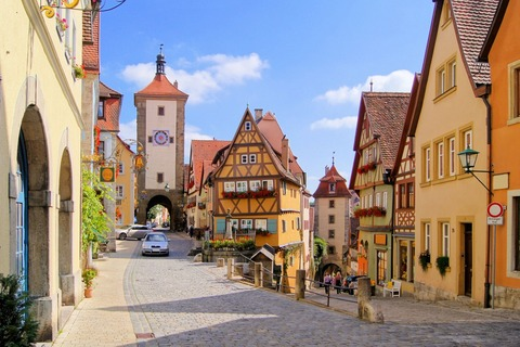 classic-view-of-rothenburg-ob-der-tauber-germany-1600x1066[1]