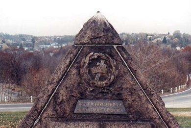 pyramid_russells_gravesite