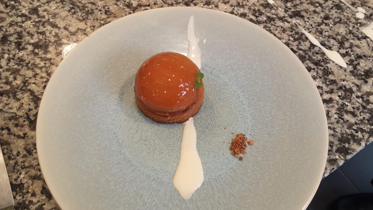 お菓子とじゃいことフランスとtarte tatin タルトタタン りんごのタルト フランス伝統菓子現場でフランス語 パティシエール編② 『oh putain』おっぴゅーたん! 2017フランス サマータイム始まりました。 一時間時計を早める。ってなかなかつらいよ。