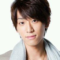 「KEIICHIRO」更新、NEWS小山慶一郎にキスマーク!?ファンもどぎまぎ…首筋には…?
