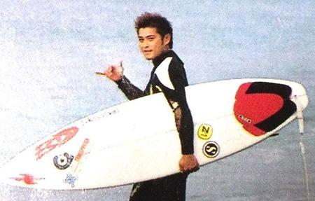 【目撃】元TOKIOの山口達也さん、、、湘南でサーフィンを始めていた!!!!!!!!?