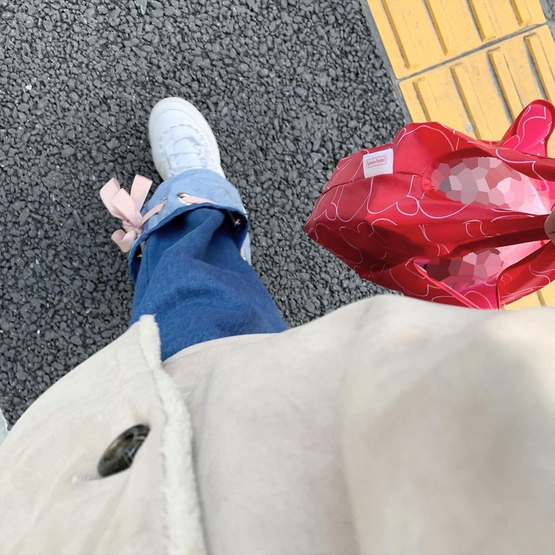 airi_hkt48-CKBmWImJEL5