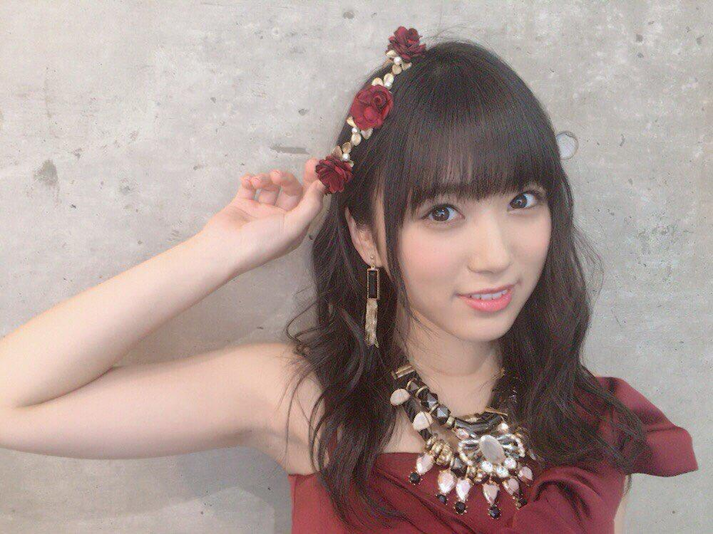 矢吹奈子の笑顔画像