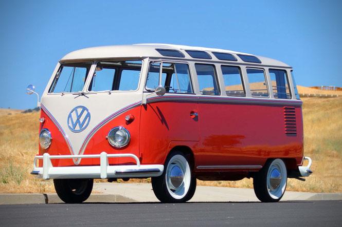 1959-Volkswagen-Deluxe-23-Window-Bus-01