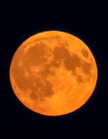46529512-オレンジ色の満月