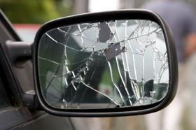 car cracked mirror