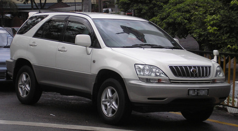 1920px-Toyota_Harrier_(first_generation)_(front),_Kuala_Lumpur