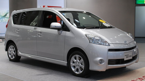 2009_Toyota_Passo-Sette_03