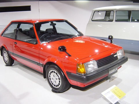 Mazda-FAMILIA-5th-generation01