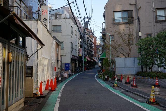 日本の道路の幅は84%が1.85mなのにそれ以上の幅の車を買う人ってなんなの? : くるまにあ速報