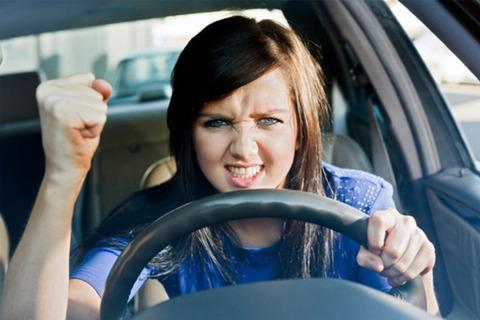 large_Woman-having-road-rage
